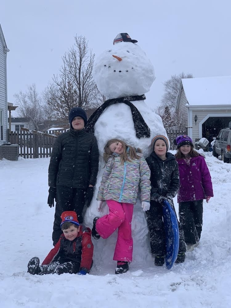 Now that is a BIG SNOWMAN!